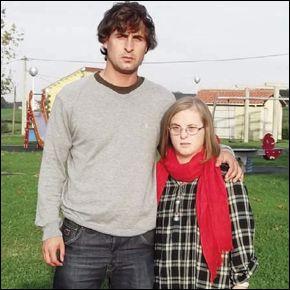Alejandro Aguilera con su hermana María